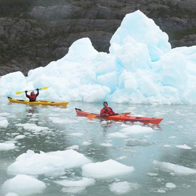 Kayak en Glaciares y Fiordos