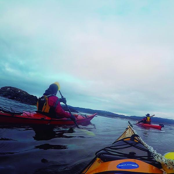 4-Escuela-kayak-ushuaia-cursos-adultos-kayaking-travesia-aventura-capacitacion-expertos-canotaje-profesor