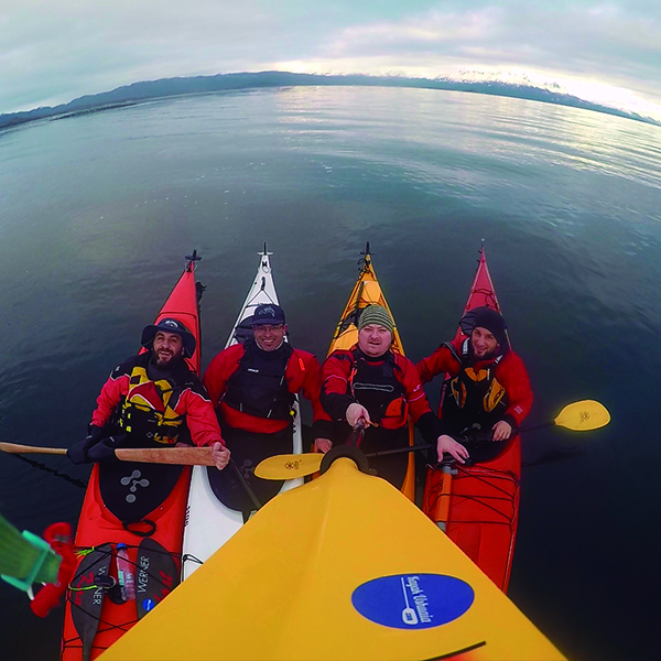 5-Escuela-kayak-ushuaia-cursos-adultos-kayaking-travesia-aventura-capacitacion-expertos-canotaje-profesor