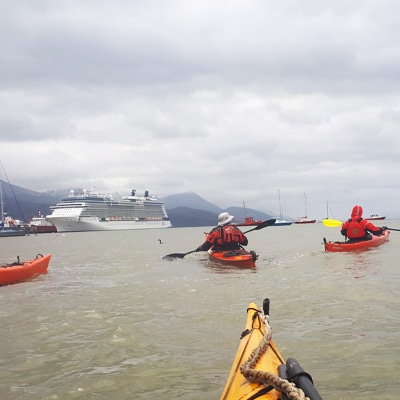6-Escuela-kayak-ushuaia-cursos-adultos-kayaking-travesia-aventura-capacitacion-expertos-canotaje-profesor-instructor