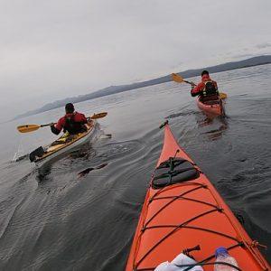 Escuela-kayak-ushuaia-cursos-adultos-kayaking-travesia-aventura-capacitacion-expertos-canotaje-profesor