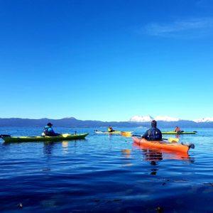 12_bautismo-de-kayak-en-ushuaia-tierra-del-fuego-escuela-instructor-profesor-aca-kayakushuaia-bahía-capacitacion-excursion-paseo-turismo