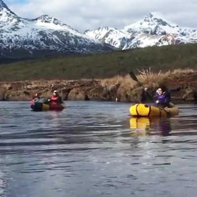 14-PackRaft-Ushuaia-packrafting-rio-olivia-pipo-parque-nacional-bajadas-trekking-remo-navegación-rafting-tierra-del-fuego-bote-inflable