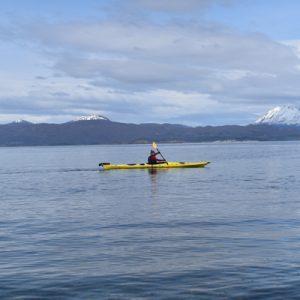 14_bautismo-de-kayak-en-ushuaia-tierra-del-fuego-escuela-instructor-profesor-aca-kayakushuaia-bahía-capacitacion-excursion-paseo-turismo