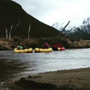 8-PackRaft-Ushuaia-packrafting-rio-olivia-pipo-parque-nacional-bajadas-trekking-remo-navegación-rafting-tierra-del-fuego-bote-inflable