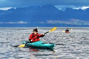 1_argentina-kayak-en-ushuaia-bahia-faro-canal-beagle-travesía-alquiler-expedicion-excursion-agencia-kyakistas-patagonia-explorer-escuela-cursos