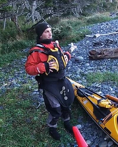 1-kayak-ushuaia-en-peninsula-mitre-tierra-del-fuego-argentina-travesia-expedición-aca